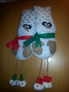 súrodenci snehuliačikovia dekorácia na dvere