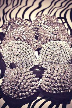 #MegaPlush  S de Sexy.... Corseteria llena de pedreria, novedoso :O....Studded blinged out bras <3