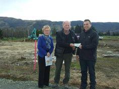 New Zealand Lions donate funds towards construction of new health center West Otago Health Ltd chairwoman Marianne Parks, West Otago Health Trust member Hans van der Linden, and West Otago A&P Society presiden...