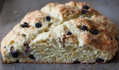 Irish Soda Bread was not invented by the Irish. Also, if it has raisins, it's called Spotted Dog. Here's an awesome recipe for it. Dog Recipes, Bread Recipes, Savoury Recipes, Dog Bread, Biscuit Pizza, Irish Soda Bread Recipe, Sweet Dough, Our Daily Bread, Spotted Dog