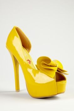 Love this style bow... make similar bow clips to add to other shoes!
