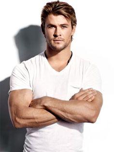Super handsome Chris Hemsworth <3<3