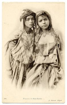 ~Algerian gypsy Girls (c.1906)