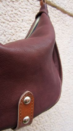 #Nut #LittleCaro, #Chiaroscuro, #MadeInIndia, #PureLeather, #Handbag, #Bag, #WorkshopMade #Leather #Casual #Vintage #Crossbody #Sling #Brown #LightBrown #DarkTan #MidBrown http://chiaroscuro.in/products/nut-little-caro