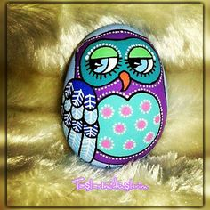 Lovely hand painted owl stone