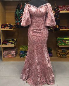 African Dresses For Kids, African Maxi Dresses, Latest African Fashion Dresses, African Print Fashion, Africa Fashion, African Attire, Dress Brokat Modern, African Fashion Traditional, Lace Gown Styles