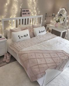 awesome bedrooms for women * awesome bedrooms . awesome bedrooms for couples . awesome bedrooms for boys . awesome bedrooms for women . awesome bedrooms for kids . Bedroom Decor For Teen Girls, Cute Bedroom Ideas, Teenage Girl Bedrooms, Teen Room Decor, Small Room Bedroom, Awesome Bedrooms, Trendy Bedroom, Bed Room, Bedroom Themes
