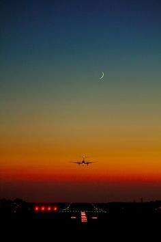 ✈ ✈Aviation is my drug! Cool Pictures, Cool Photos, Airplane Wallpaper, Airplane Photography, Coming Home, Sunrise, Scenery, Around The Worlds, Outdoor