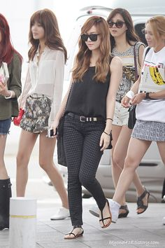 [120701] Jessica at Gimpo Airport heading to Macao
