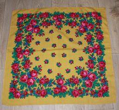 Woolen vintage scarf Romanian / Zboží prodejce Antique and vintage shawl. Vintage Scarf, Floral Scarf, Vintage Antiques, Shawl, Home Decor, Decoration Home, Room Decor, Home Interior Design, Veils