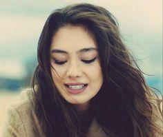 Nihan - Kara Sevda Cute Photos, Girl Photos, Simply Beautiful, Beautiful Women, Turkish Beauty, Exotic Women, Turkish Actors, Best Actor, Pretty Face