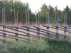 Check out our Beautiful Gallery of Wood Fence Ideas and Designs including Privacy, Security, Decorative Fences & More. Wattle Fence, Garden Fencing, Wood Fence Design, Old Farm Houses, Greenhouse Gardening, Bonsai Garden, Farm Gardens, Nature Scenes, Outdoor Projects