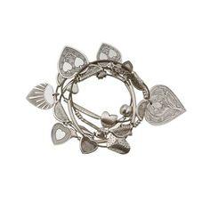 TENDANCE LOVE /  SEMAINIER DE BRACELETS RESSORT COEURS  Semainier composé de 7 bracelets ressorts habillés de pampilles et de cœurs gravés en métal argenté.  Prix : 99 €