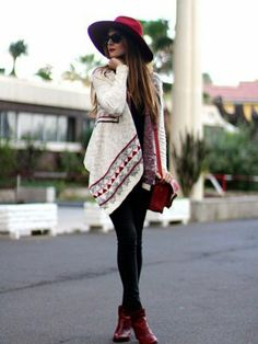 marilynscloset Outfit   Invierno 2013. Cómo vestirse y combinar según marilynscloset el 30-1-2014 http://marilynsclosetblog.blogspot.com.es/2014/01/ethnic-poncho.html