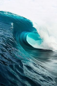 Best Wave Surf images on Designspiration No Wave, Water Waves, Sea Waves, Sea And Ocean, Ocean Beach, Laguna Beach, Ocean Sunset, Ocean Photography, Drone Photography