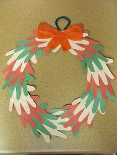 Red, White, & Green Handprint Christmas Wreath-so cute, looks like something from Dr. Christmas Crafts For Toddlers, Fun Crafts For Kids, Christmas Activities, Xmas Crafts, Toddler Crafts, Crafts To Do, Craft Kids, Craft Activities, Winter Christmas