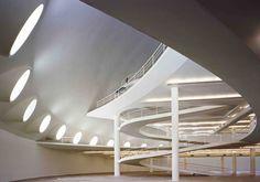 Oca, projeto de Oscar Niemeyer, fotografado por Nelso Kon