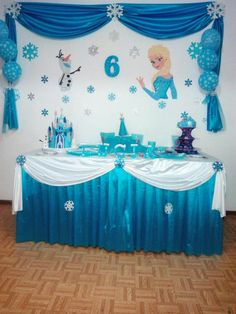 Trendy ideas for birthday themes decoration frozen party - Dekoration Ideen Frozen Themed Birthday Party, Disney Frozen Birthday, Birthday Party Tables, 4th Birthday, Frozen Birthday Decorations, Party Table Decorations, Ideas Party, Party Themes, Theme Ideas