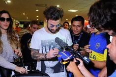 """Daniel Osvaldo: """"Jugar en Boca es el sueño más grande de mi vida"""" http://www.ambitosur.com.ar/daniel-osvaldo-jugar-en-boca-es-el-sueno-mas-grande-de-mi-vida/ El delantero, ex jugador de Juventus e Inter de Italia, llegó al país para someterse a la revisión médica y firmar su contrato para convertirse en el décimo refuerzo del club Xeneize.     """"Estoy contento y también nervioso, todavía no firmé mi contrato y por cábala no quiero decir nada. Si sale"""