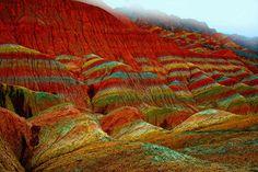 Montanhas coloridas na China