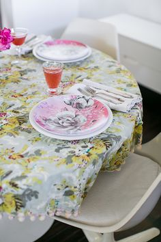 print your own plates! @shutterfly  #OurHomeOurStory / sfgirlbybay