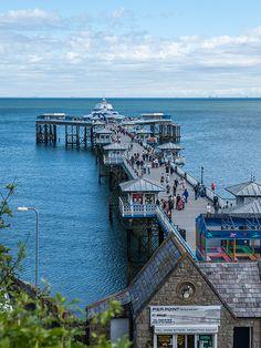Llandudno Pier, Conwy County Borough, Wales, United Kingdom, 2013, photograph by jinxsi1960.