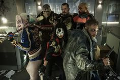 Here's the only positive review of 'Suicide Squad' you'll read