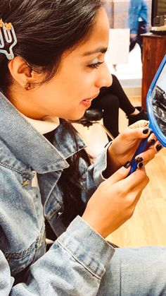 The Brow Where and How | Stylebymalvika Brow Tinting, Threading Eyebrows, Dark Brown Eyes, Brown Eyeshadow, Makeup Routine, Lash Extensions, How To Run Longer, Sensitive Skin, Beauty Hacks