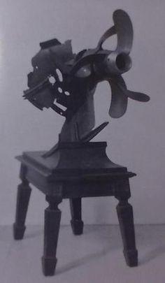 """Cauda do torpedo alemão que afundou a canhoneira francesa """"Surprise"""", em 3 de Dezembro de 1916, na Baía do Funchal. Catálogo, n.º 545, Museu LCGG, Lisboa."""