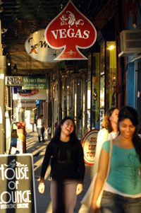 There is no place in New Orleans like Magazine Street. Filled with amazing antique shops and tons of art, this is a stop you won't want to miss on your New Orleans visit!