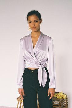 Défilé Nanushka Croisière 2019 Femme Fashion Week, Fashion Outfits, Womens Fashion, Fashion Trends, Trendy Fashion Jewelry, Mode Chic, Trends 2018, Fashion Show Collection, Vogue Paris