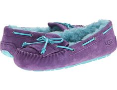 Yummy UGG slippers Uggs For Cheap, Ugg Boots Cheap, Boots Sale, Ugg Slippers, Womens Slippers, Snow Boots, Winter Boots, Winter Snow, Still Waiting For You