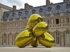 Jeff Koons at Versailles #jeffkoons #versailles #balloon #metallic #modern #art
