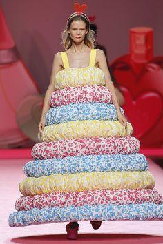 Ágatha Ruiz de la Prada: diseñadora sorprende con una de las colecciones más accesibles de los últimos años. #fashionweek #mbfwmadrid #fashion #moda #desfile