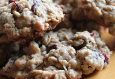 Oatmeal, craisin, coconut cookies. Yum! Click through for the recipe... Queen Bee Coupons