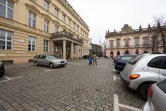 Seit einigen Jahren bietet die Verwaltung in Berlin Brautpaaren die Möglichkeit an, ihre Hochzeit im Palais am Festungsgraben zu begehen. ...