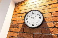 Daca esti in cautare de Cadouri pentru Familie - iti recomand Ceas Invers care ii pune in dificultate chair si pe cei mai vigilenti oameni  #incrediblepunctro #cadou #cadouri #ceas #ceasinvers #familie #cadourifamilie Pune, Mai, Clock, Home Decor, Watch, Decoration Home, Room Decor, Clocks, The Hours