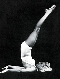 Marilyn Monroe doing shoulder stand... Sarvangasana