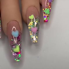 This nail design is a perfect choice to make your nails look romantic and lovely! Acrylic Nail Designs Classy, Acrylic Nails At Home, Black Acrylic Nails, Summer Acrylic Nails, Best Acrylic Nails, Nail Art Designs Videos, Nail Art Videos, Nail Design Video, Nail Art Hacks