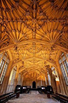 Coisas de Terê→Bodleian Library room, Oxford, England, photo by archidave via Flickr.