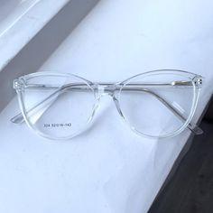 Thin Frame Glasses, Cute Glasses Frames, Womens Glasses Frames, Heart Shaped Face Glasses, Clear Sunglasses Frames, Glasses Trends, Fashion Eye Glasses, Eyeglasses For Women, Girls In Glasses