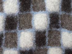 Klicken zum Schliessen Textile Design, Textile Art, Clothing Boxes, Felt Projects, Nuno Felting, Fibres, Wool Felt, Fiber Art, Weaving