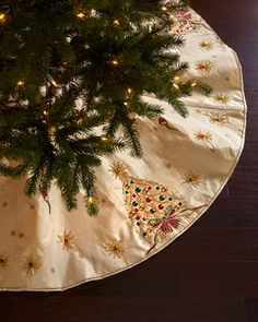 Shop Retro Christmas Tree Skirt from Kim Seybert at Horchow, where you'll find new lower shipping on hundreds of home furnishings and gifts. Retro Christmas Tree, Christmas Skirt, Unique Christmas Decorations, Christmas Runner, Christmas Crafts, Christmas Ornaments, Christmas Trees, Christmas Sewing, Christmas Stockings