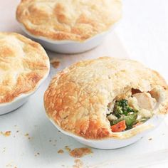 These easy and healthy chicken pot pies make family midweek dinners simple. Snacks For Work, Healthy Work Snacks, Healthy Dinner Recipes, Healthy Food, Savoury Recipes, Delicious Recipes, Healthy Eating, Yummy Food, Healthy Chicken Pot Pie