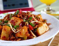Lontong Goreng Tofu Recipes, Asian Recipes, Cooking Recipes, Healthy Recipes, Indonesian Recipes, Indonesian Food, Nyonya Food, Malay Food, Asian Foods