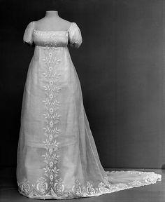 Dress   Date: ca. 1804  Culture: French  Medium: cotton