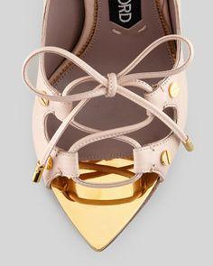 Tom Ford Wedding Shoes  Keywords: #bridalshoes #tomfordshoes #jevelweddingplanning Follow Us: www.jevelweddingplanning.com  www.facebook.com/jevelweddingplanning/