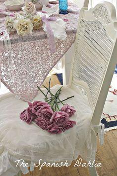 Фотографии интерьера, выполненного в уютном стиле шебби шик от Stephanie Bradley.