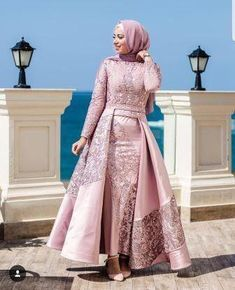 Long Sleeve Party Dresses With Sleeves. Get inspo on hijab wedding dress , hijab party dresses, Muslims party dresses and much more. Hijab Prom Dress, Hijab Gown, Muslim Wedding Dresses, Muslim Dress, Dress Wedding, Party Wedding, Wedding Ideas, Hijab Styles For Party, Party Dresses With Sleeves