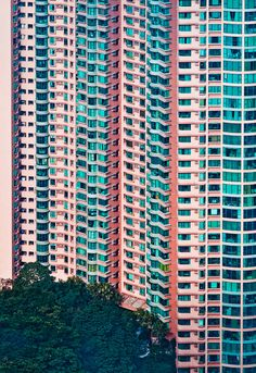 Hong Kong facades / by meimo via flickr